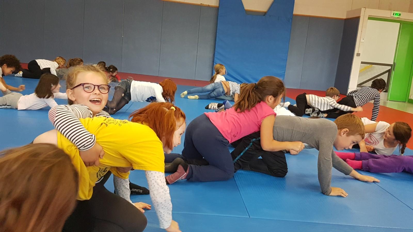 Les CE1-CE2 s'initient au judo